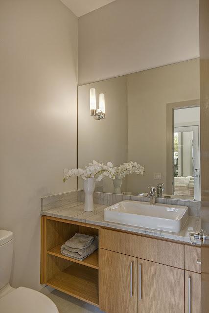 Bathroom - IMGM5138e1a-Print.jpg