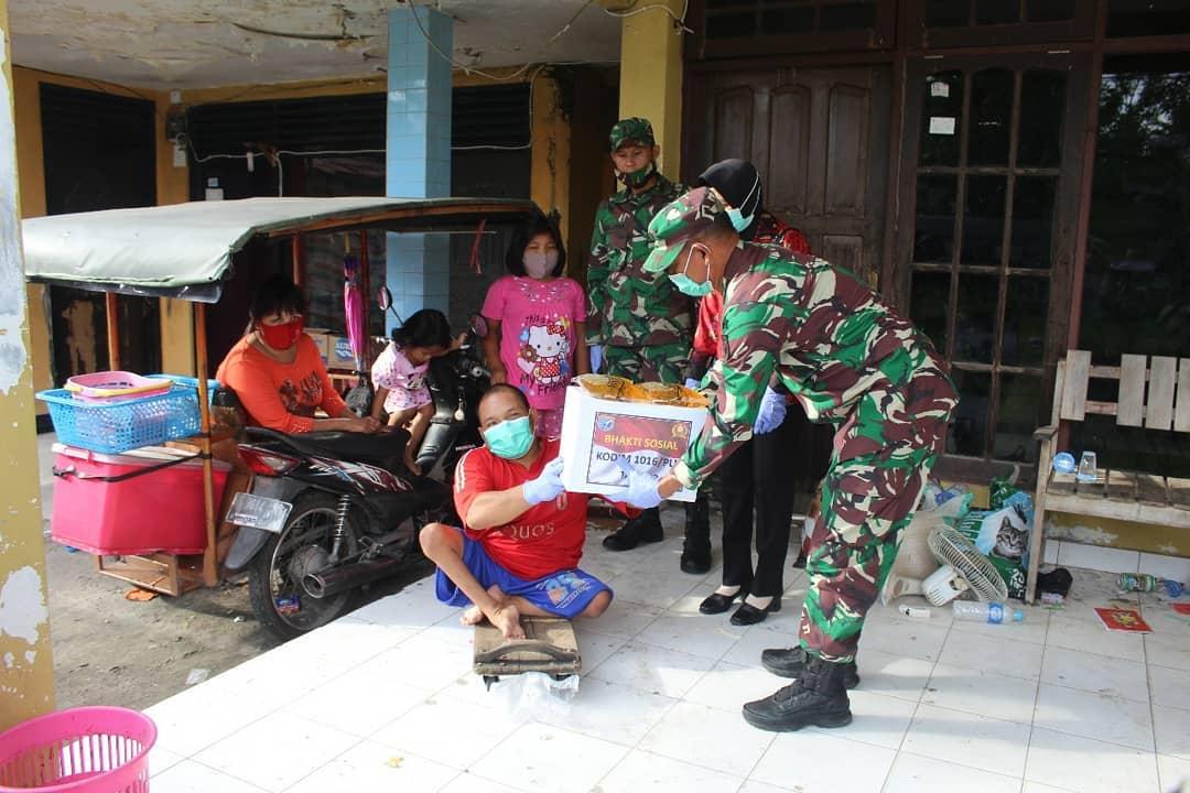 Kodim Palangka Raya Berikan Bantuan Sembako kepada Penyandang Disabilitas