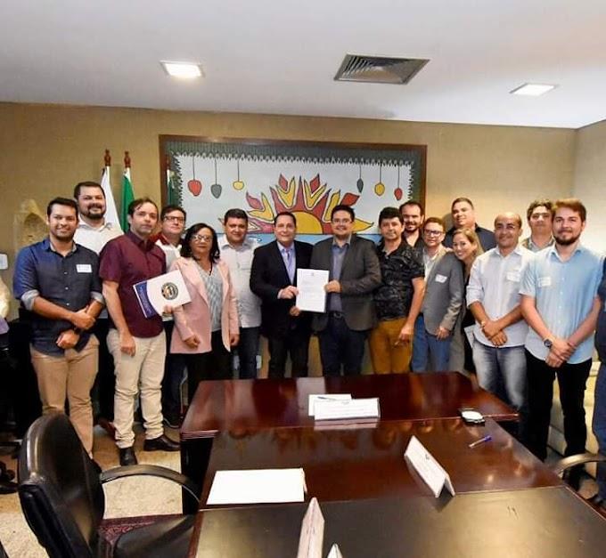 Na manhã desta segunda-feira, 05, o vereador Israel Mafra de Barcelona, participou de uma importante reunião na Assembleia Legislativa do RN