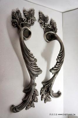 裝潢五金 品名:SA84-古典花型大把手-1 規格:300m/m 顏色:古銀色 玖品五金