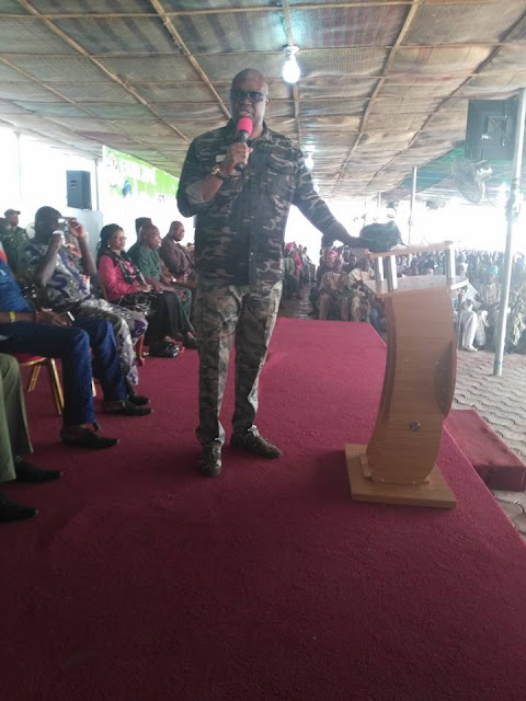 Governor Fayose Rocks Army Uniform As He Meets With Local Hunters