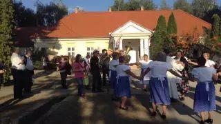 Szüreti felvonulás Jákó 2015 - Tánca Faluház udvarán video