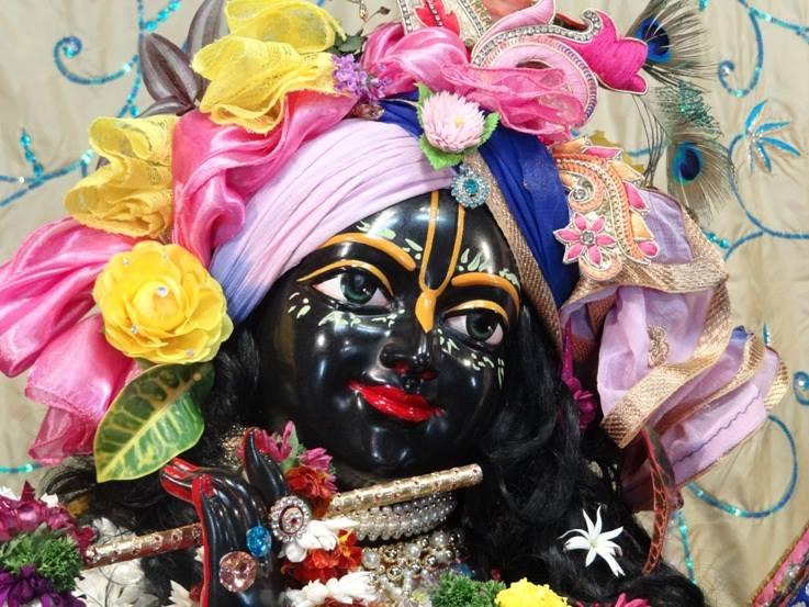 ISKCON Nigdi Deity Darshan 22 Jan 2016 (7)