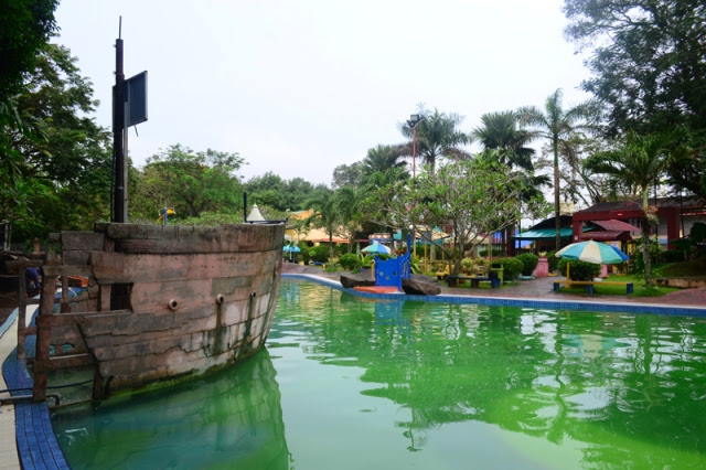 Taman-Tema-Air-Splash-Water-Park