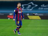 Spelers willen op de foto met Messi en beker