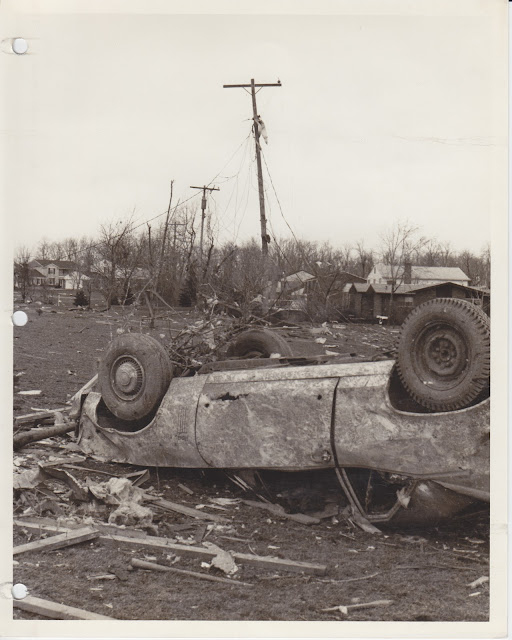 1976 Tornado photos collection - 120.tif