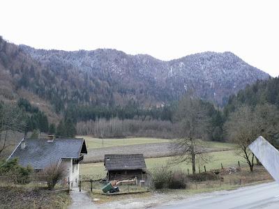 Ausblick von der Krastaler Skulpturenstraße IV (GC4V6BQ) auf den Hochpirkach (1200m)