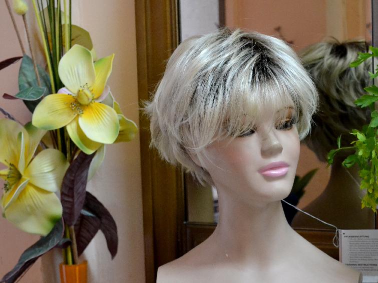 Foto de peluca en la tienda Peluk-T