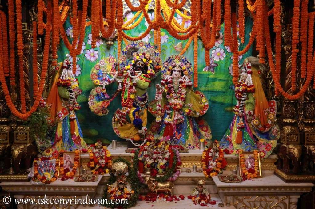 ISKCON Vrindavan Sringar Deity Darshan 18 Dec 2015 (14)