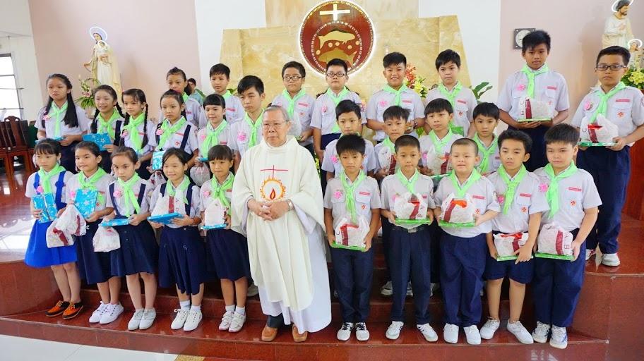Thiếu nhi Thánh Thể Phú Hoà mừng bổn mạng