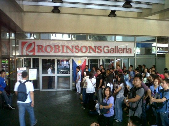Image of #OFW Robinson's Galleria Mall Now Provides Passport Renewal