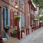 Elfreth's Alley - одна из старейших улочек в США. Относится к 1702 году