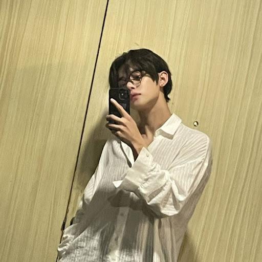 user xxxMoon_Light apkdeer profile image