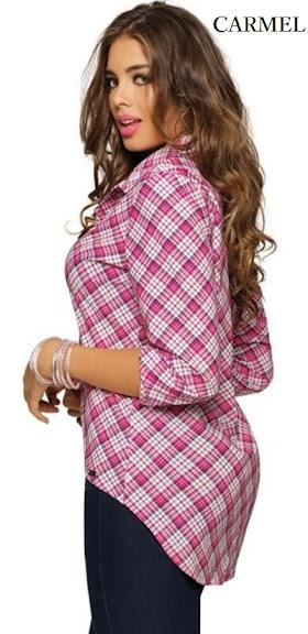Blusa estampada a cuadros cortada al sesgo espalda con dobles de tela y cola de pato