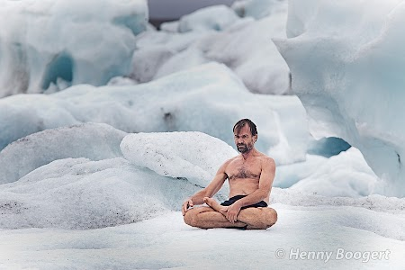 Wim Hof meditating in Iceland.  More photos from this shoot: https://plus.google.com/photos/109601009311059762503/albums/5656654014332509265/5656656984818800802  https://plus.google.com/photos/109601009311059762503/albums/5656654014332509265/5656658487941931058