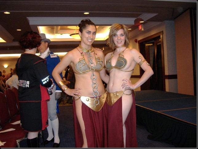 Princess Leia - Golden Bikini Cosplay_865825-0013