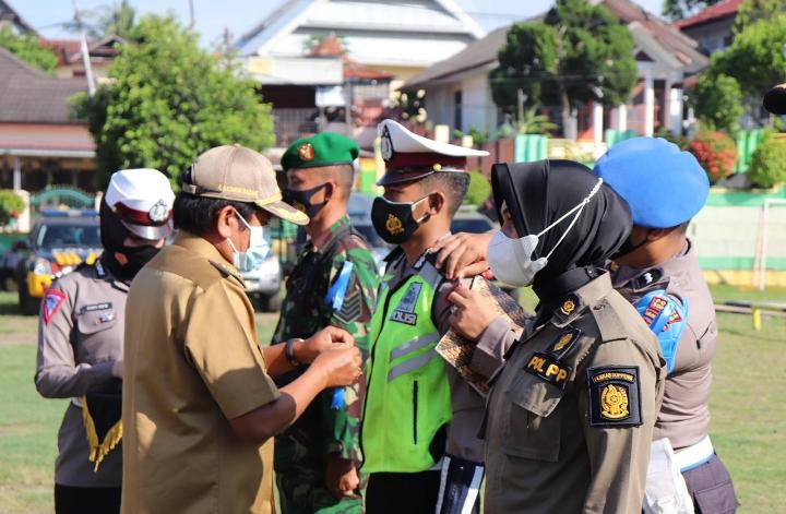 Polres Soppeng Melaksanakan Apel Gelar Pasukan Ops Keselamatan 2021 yang Dipimpin Bupati Soppeng