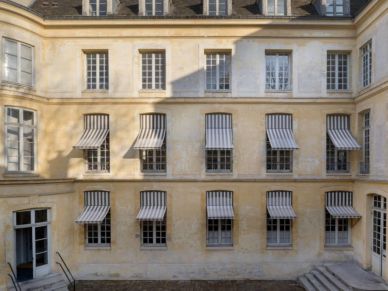 Appartements parc royal location meubl e le marais agence de location d 39 appartements paris - Agence location meublee paris ...
