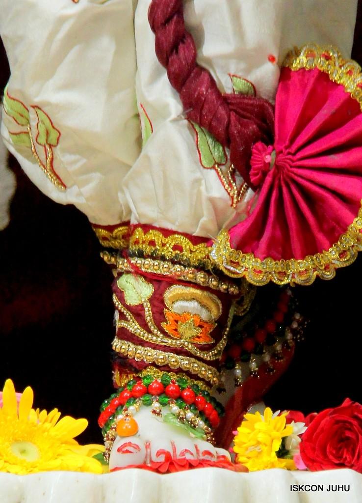 ISKCON Juhu Sringar Deity Darshan on 2nd Jan 2017 (40)