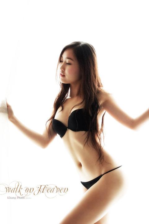 sexy vietnamese porn Sexy vietnamese model fuck on hotel / Porn Performance.