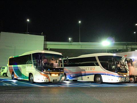 伊予鉄南予バス「道後エクスプレスふくおか号」 5388 めかりPAにて その1