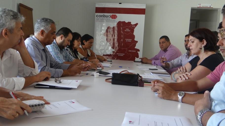 CONISUD REÚNE COORDENADORES DAS CÂMARAS TÉCNICAS TEMÁTICAS PARA REARTICULAR AÇÕES EM 2016. ENTRE AS PAUTAS DISCUTIDAS ESTIVERAM PPA (Plano Pluri Anual Regional Participativo), PDUI (Plano de Desenvolvimento Urbano Integrado da Marco Metrópole de São Paulo