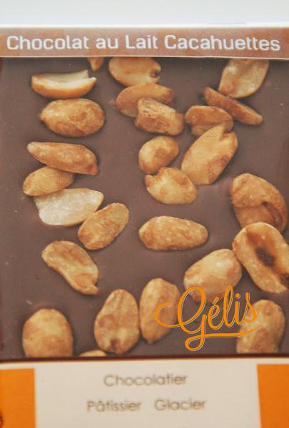 tablette chocolat lait cacahuettes.jpg
