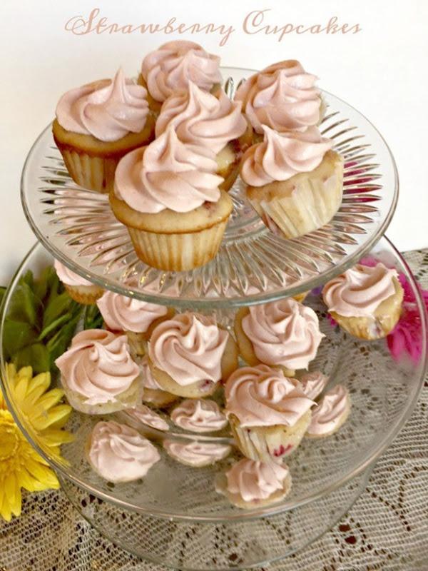 Strawberry-Cupcakes-Mini