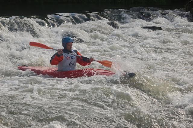 Ch France Canoe 2012 Slalom D1 D2 Val de Reuil - France%2BCanoe%2B2012%2BSlalom%2B%2528109%2529.JPG