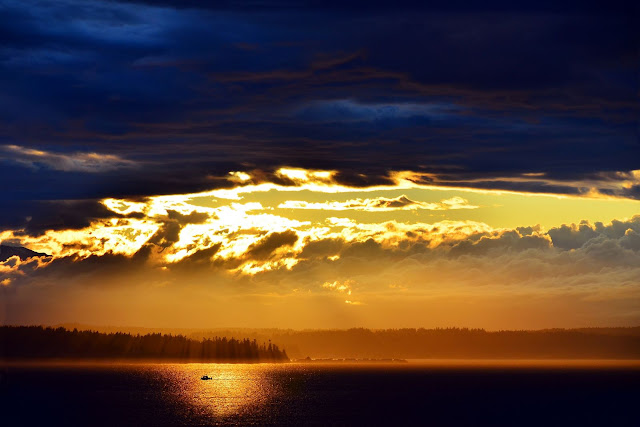Sunset at Discovery Park, Seattle, view from lookout at Daybreak Star Art & Cultural Center