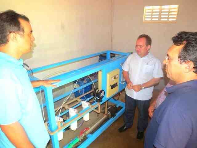 Dessalinizadores melhoram a qualidade da água para comunidades rurais do Oeste do RN