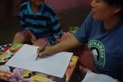Viral Seorang Ibu Jadi Guru & Ajari Anaknya, Hasilnya Membuat Perut Terkocok Bin Mules