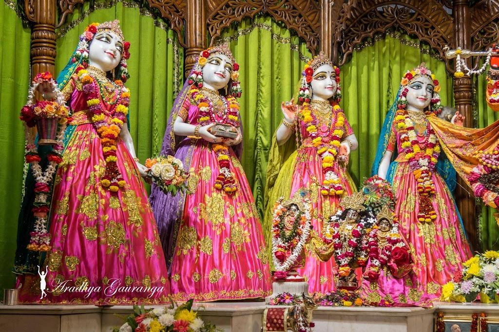 ISKCON Mayapur Deity Darshan 20 Jan 2017 (12)