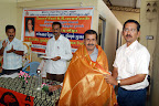 T.N.K.Kumaresh EBST Trustee presenting Shawl to Dr.C.V.Lakshmanan :: Date: Feb 17, 2008, 11:27 AMNumber of Comments on Photo:0View Photo