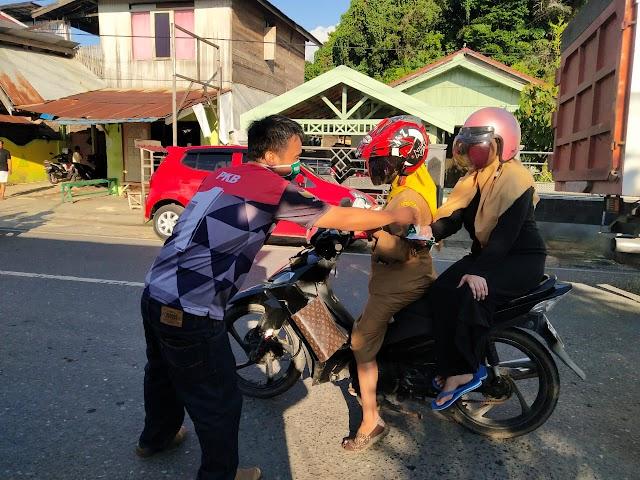 Turun ke Jalan, Legislator Kotabaru Ini Ingatkan Pentingnya Prokes