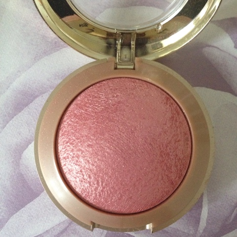 Dolce-Pink-Baked-Blusher
