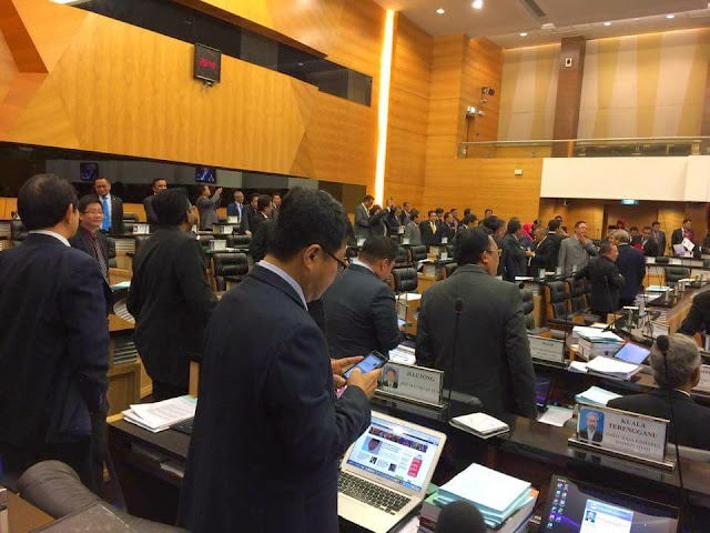 Undian Bermula Di Dewan Rakyat