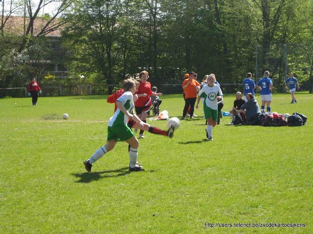 Albatros-17april2010 - vrouwenvoetbal_sint_jozef_londerzeel_duel.jpg