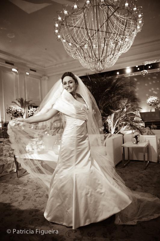 Foto de casamento 0427pb de Sunny e Richard. Marcações: 18/06/2011, Carol Hungria Vestido, Casamento Sunny e Richard, Fotos de Vestido, Rio de Janeiro, Vestido, Vestido de Noiva.