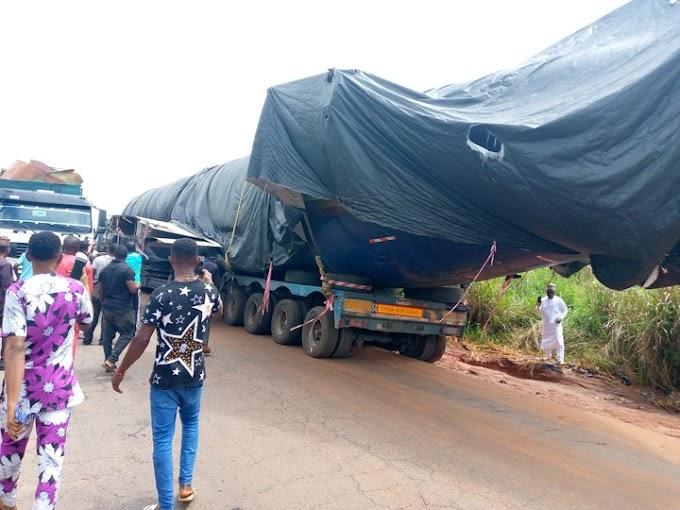Trailer Transporting Airplane Causes Gridlock In Edo