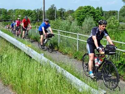 Line of cyclists