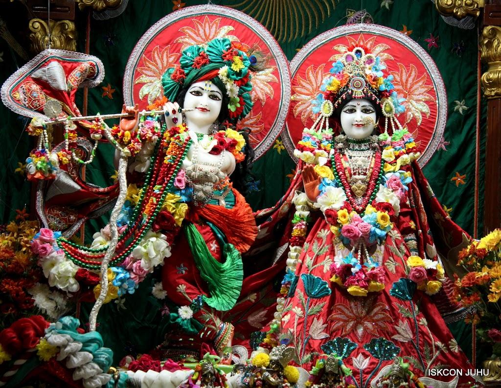 ISKCON Juhu Sringar Deity Darshan on 28th Aug 2016 (3)
