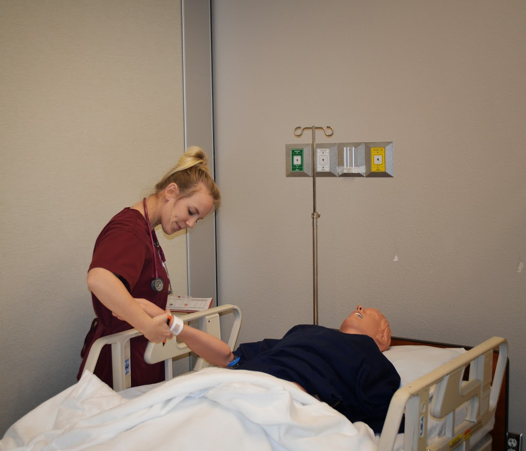 LPN/CNA/Paramedic Integration Lab - DSC_6986.JPG