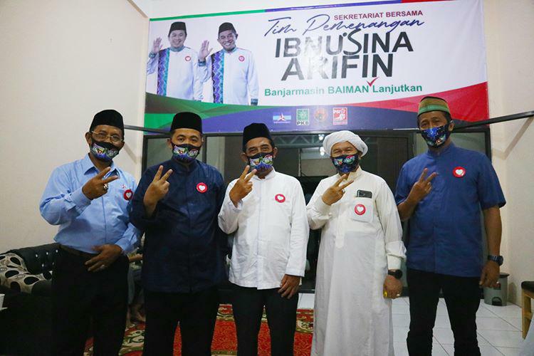 Bukan Berpesta, Ibnu Sina-Arifin Noor Sholat Hajat di Peresmian Sekretariat Pemenangan