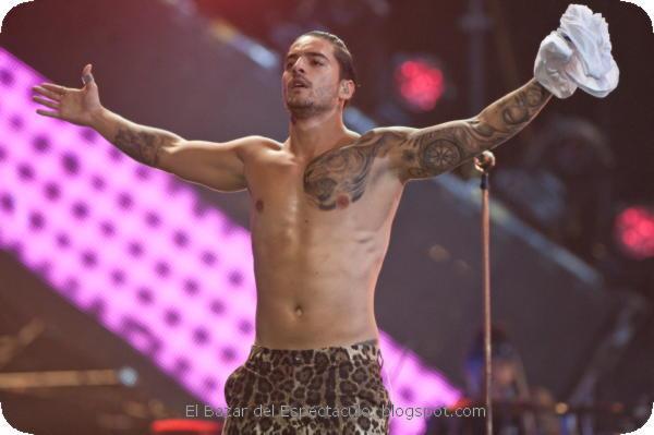 Maluma 2 Premios MTV MIAW 2017.jpeg