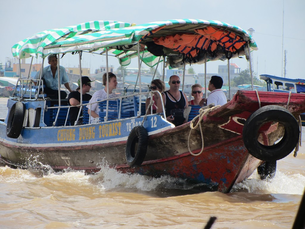 0027A_Day_on_the_Mekong