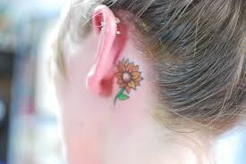 LATEST SUNFLOWER TATTOO DESIGNS FOR ATTRACTIVE WOMEN'S LOOK 10