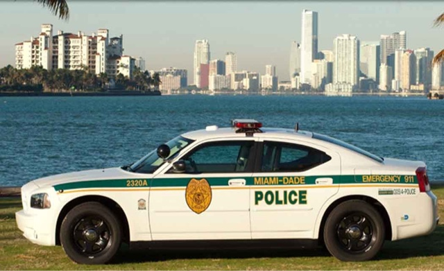 how to become a detective in miami