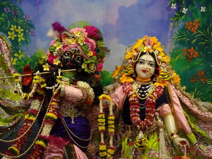 ISKCON Nigdi Deity Darshan 17 Dec 2015 (7)