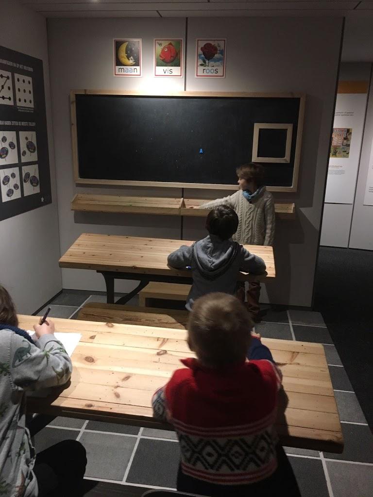 De Knetters gaan naar het speelgoedmuseum - IMG_5795.JPG